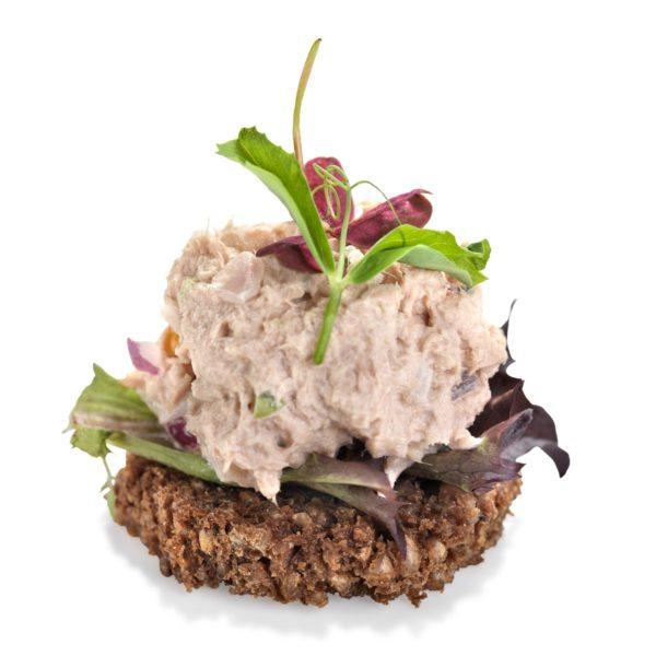 Smørrebrød med tunsalat
